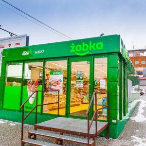 Żabka otworzyła pierwszy sklep pawilonowy pod skocznią Adama Małysza