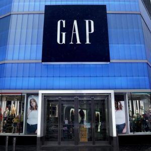 GAP zamyka sklepy w całej Europie! Co z franczyzobiorcami?