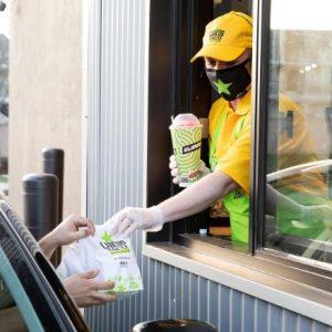 7-Eleven wprowadza usługę drive-thru